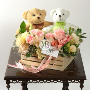 Sweet little bears with pastle roses and Lisainthus gift basket