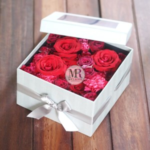 Luxury Roses Box